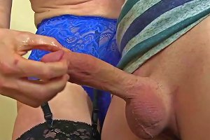 Mature Gives Amazing Handjob Free Milf Porn 07 Xhamster